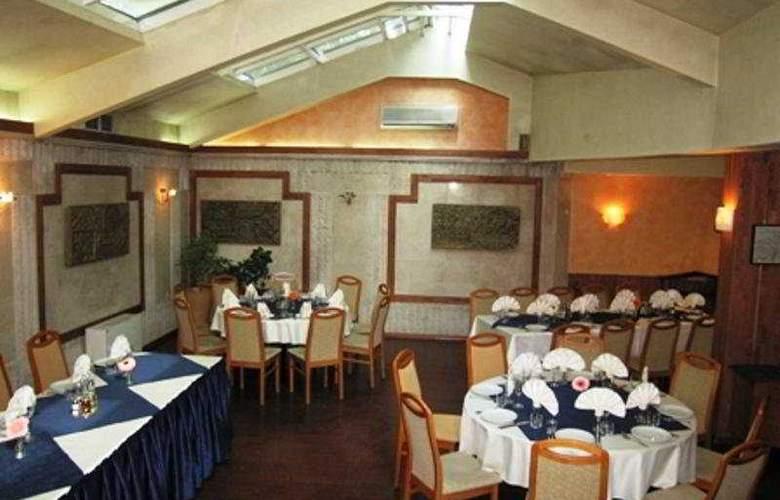 Light - Restaurant - 7