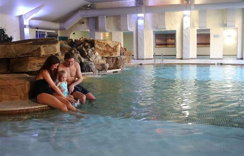 Best Western Park Hall - Pool - 236