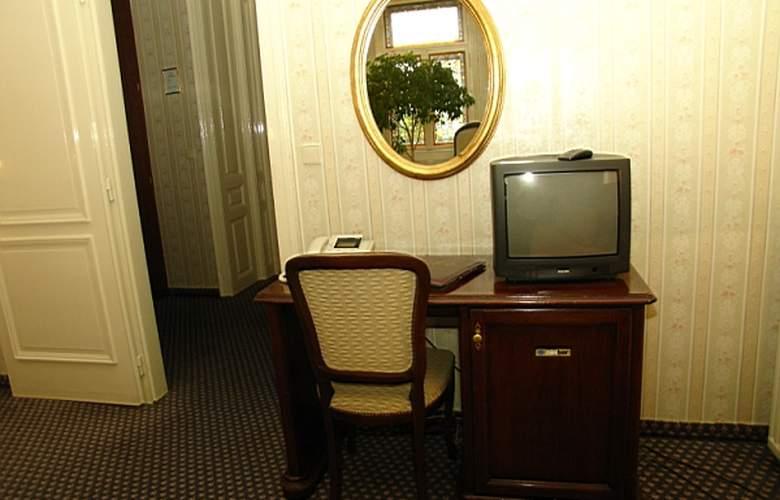 Atlanta - Room - 8