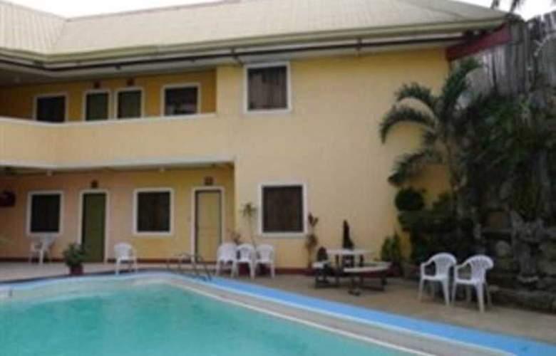 Turissimo Garden Hotel - Hotel - 10