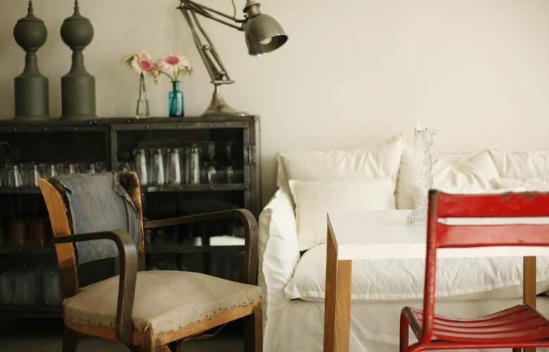 Casa Das Janelas Com Vista - Room - 11