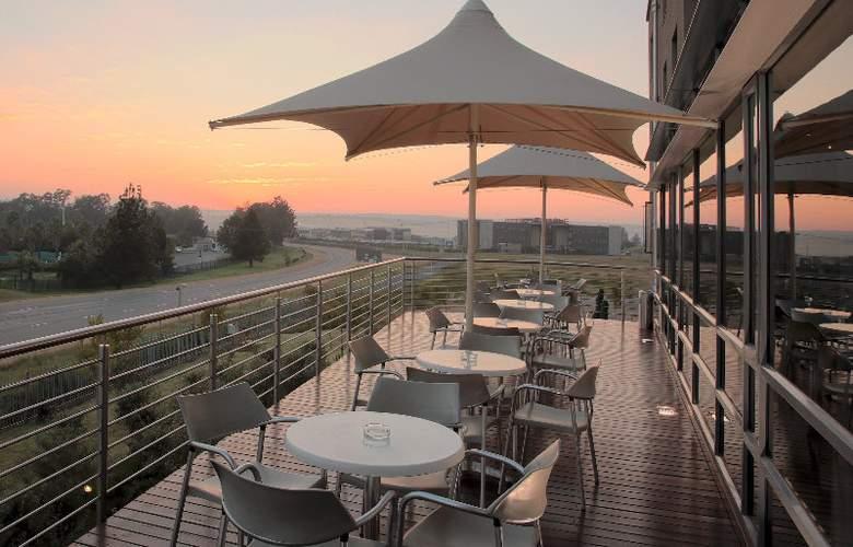 Holiday Inn Express Woodmead - Sandton - Terrace - 6