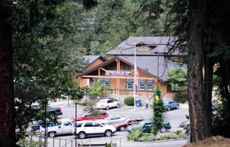 The Pines Resort At Bass Lake - Hotel - 4