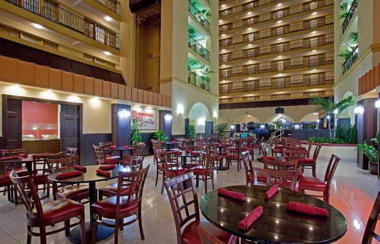 Crowne Plaza Suites Houston Southwest - Restaurant - 18