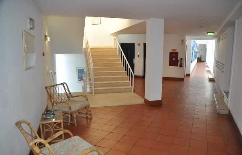 Almar - Hotel - 10