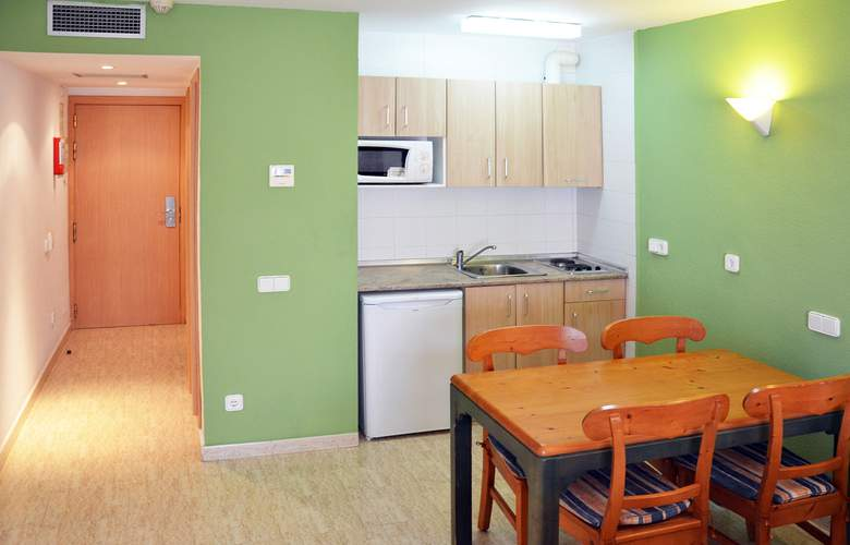 Blue Star Apartamentos - Room - 17