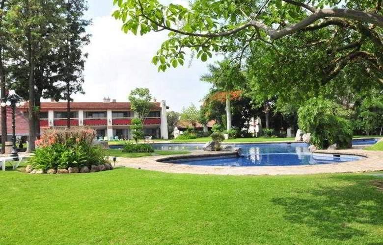 El Tapatio and Resort - Pool - 7