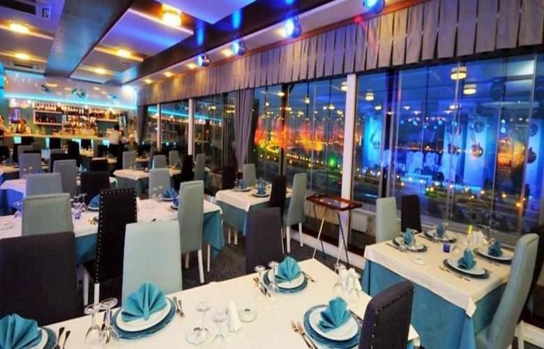 The Crown - Restaurant - 20