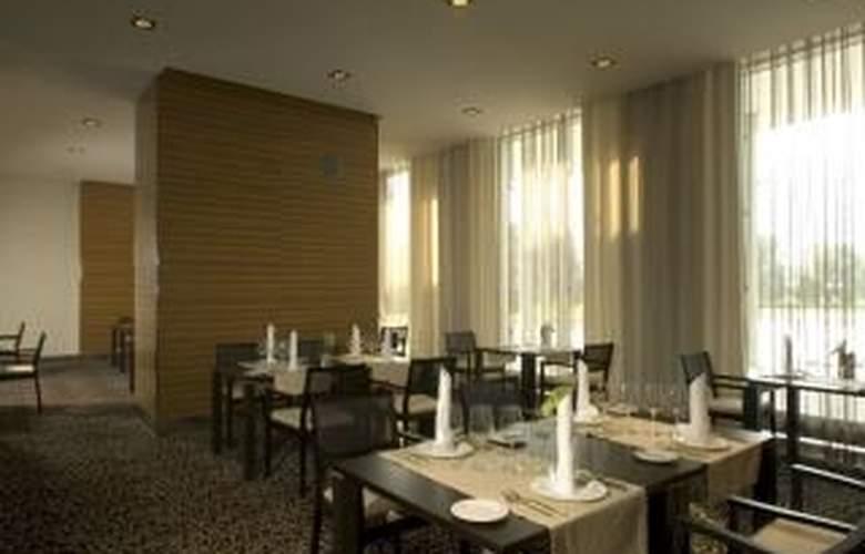 Ülemiste Hotel - Restaurant - 4