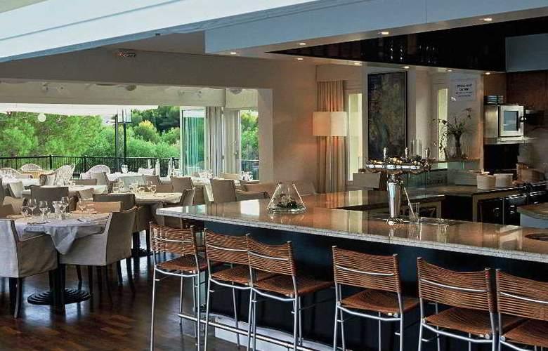 Sandton Hotel Domaine Cocagne - Bar - 4
