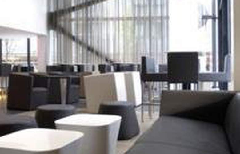 Crowne Plaza Manchester City Centre - General - 1