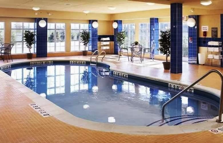 Homewood Suites by Hilton, Burlington - Pool - 20