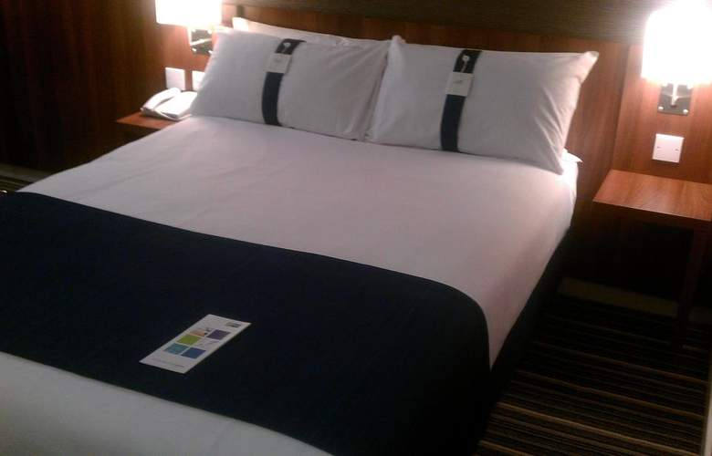 Holiday Inn Express Poole - Room - 2