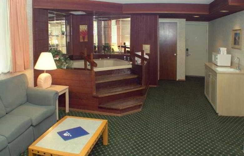 Americas Best Value Inn & Suites Cypress Tree Inn - Room - 3