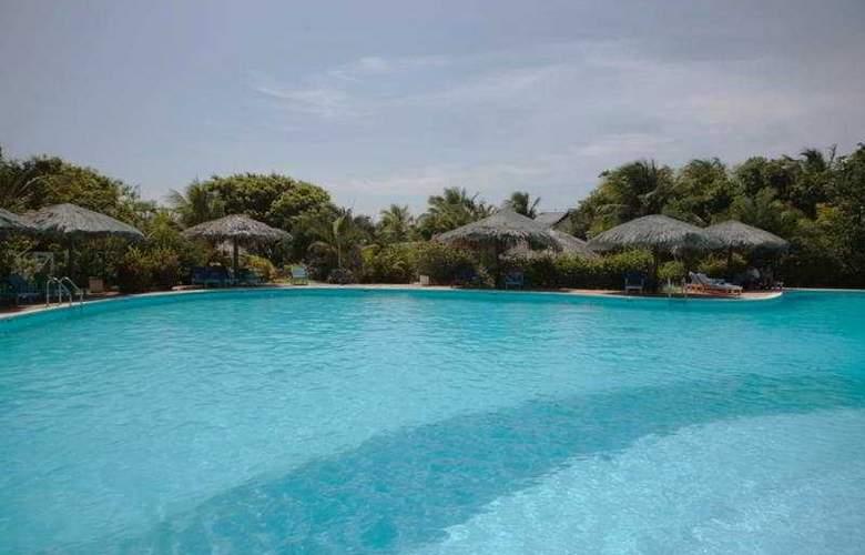 Henry Morgan Hotel & Beach Resort - Pool - 6