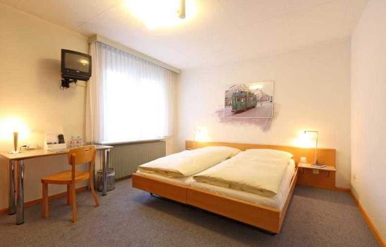 Muenchnerhof Swiss Quality Hotel - Room - 4