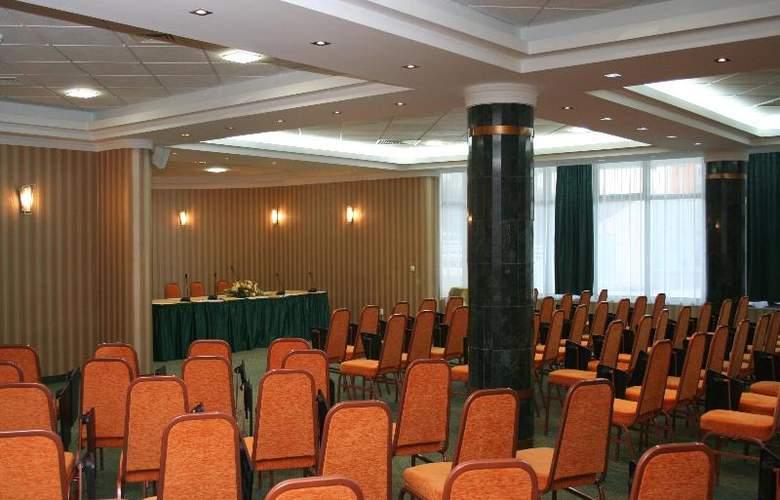 International - Conference - 14