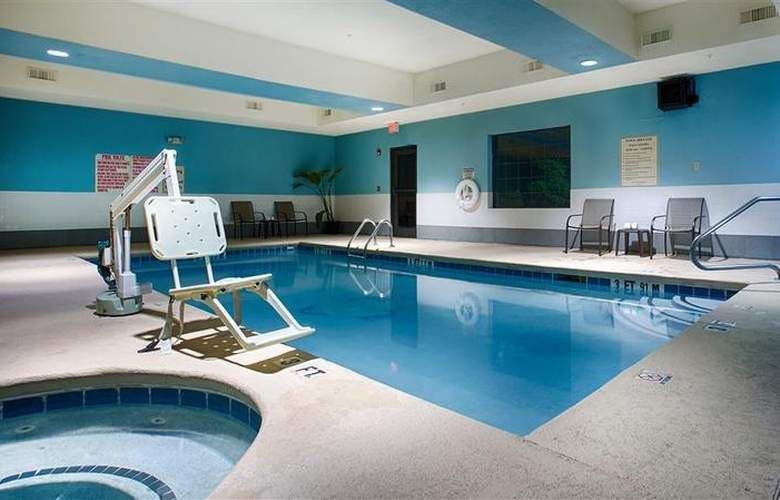 Best Western Bradbury Suites - Pool - 105