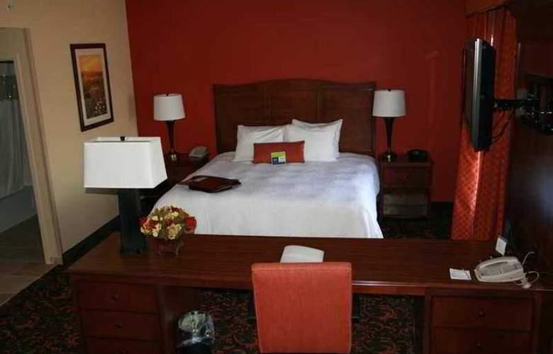 Hampton Inn and Suites Woodstock VA. - Hotel - 3