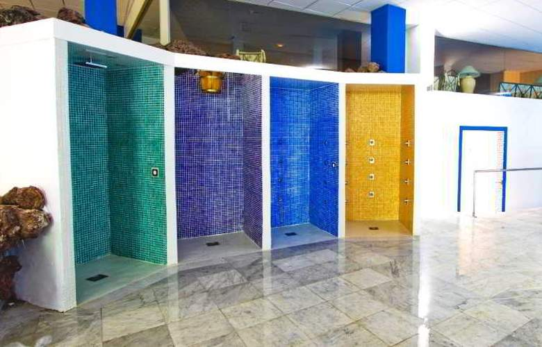 La Quinta Park Suites - Hotel - 3