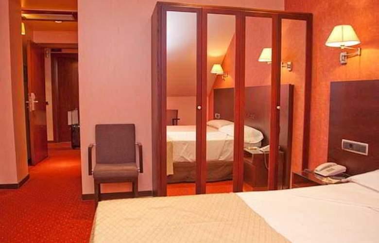 Sercotel San Juan de los Reyes - Room - 16