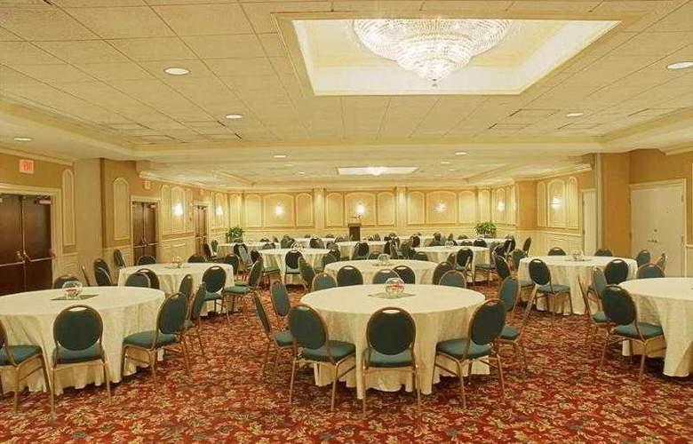 Holiday Inn Georgetown - Hotel - 4