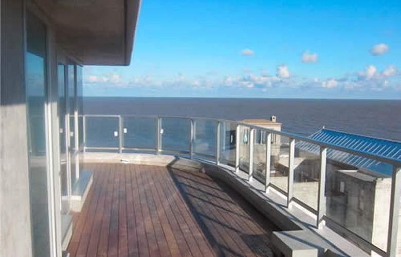 Axsur Design Hotel - Terrace - 1