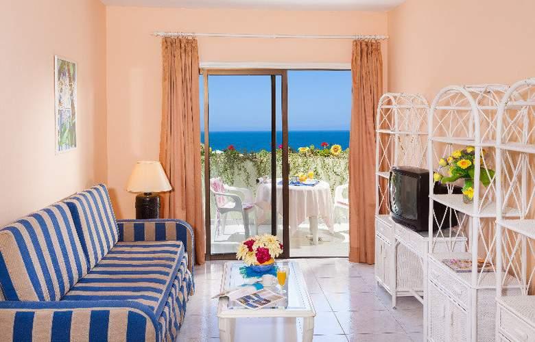 Apartamentos Bahia Playa - Room - 3