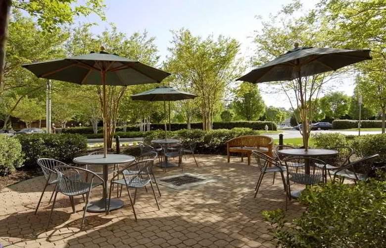 Hilton Garden Inn Richmond Innsbrook - Terrace - 9