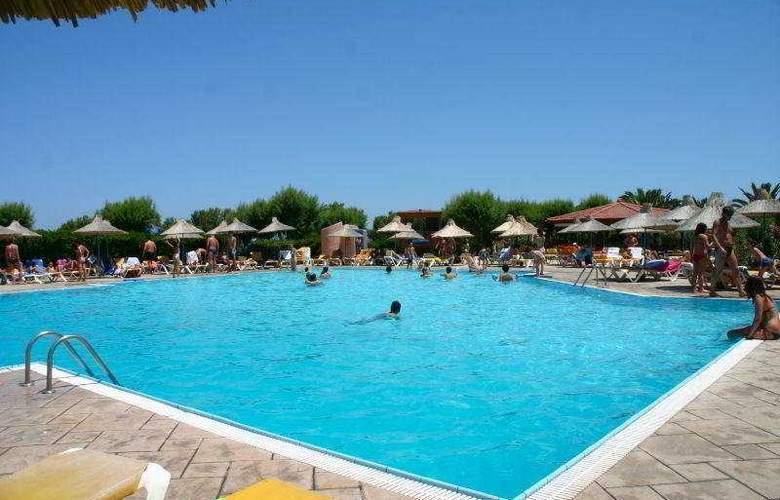 Aquis Zorbas Village - Pool - 9
