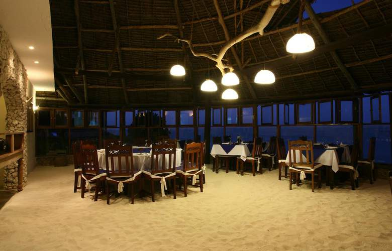 Karafuu Beach Resort - Restaurant - 36