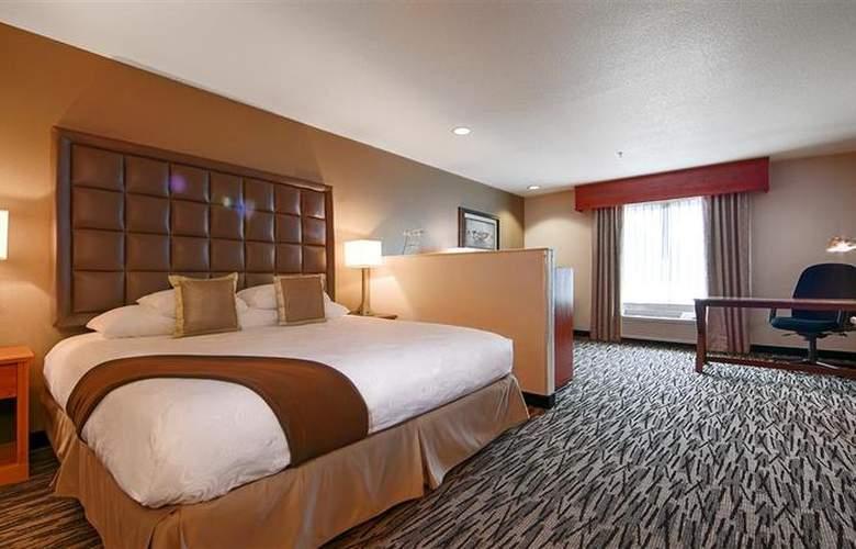 Best Western Plus Peppertree Auburn Inn - Room - 79