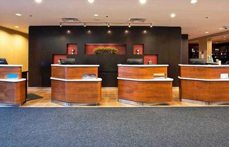 Courtyard Ottawa East - Hotel - 9