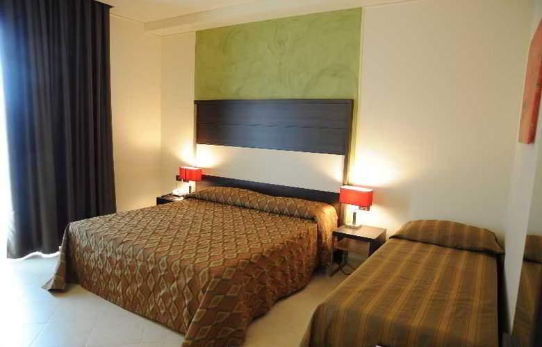 Viola Palace Hotel - Room - 8