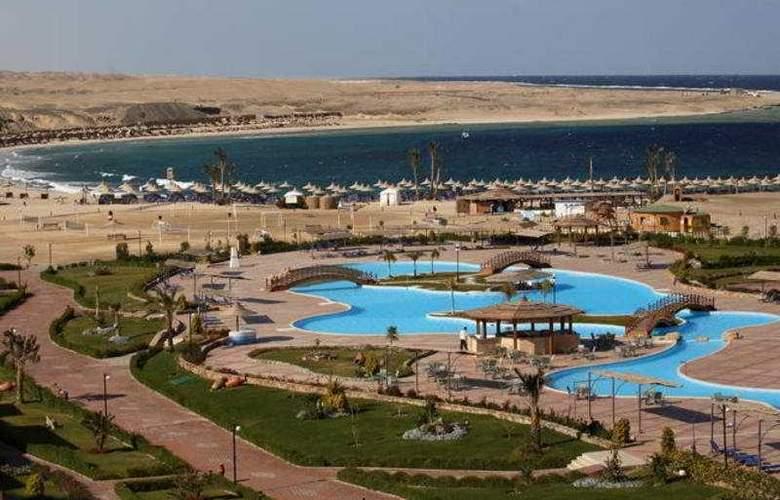 EL Malikia Resort Abu Dabbab - Pool - 4