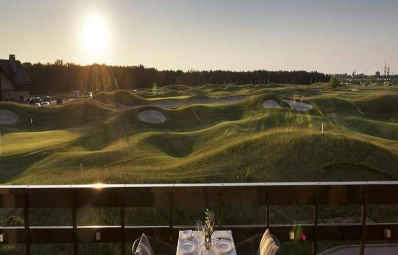 Superior Golf & Spa Resort - Terrace - 11