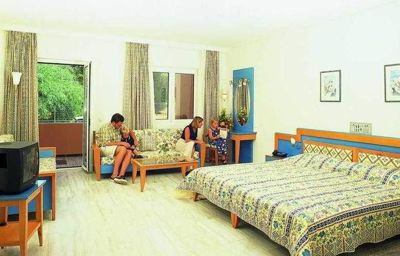 Ilianthos Village Suites - Room - 3