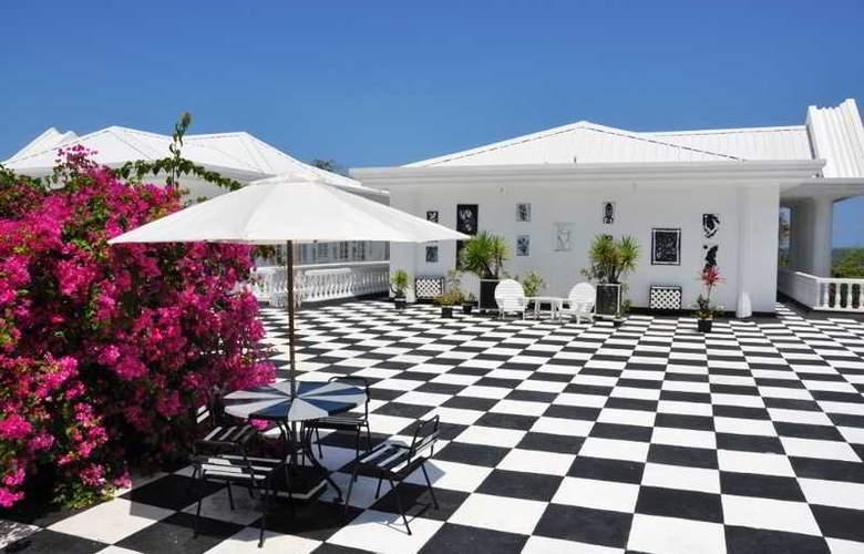 Jamaica Palace - Terrace - 23