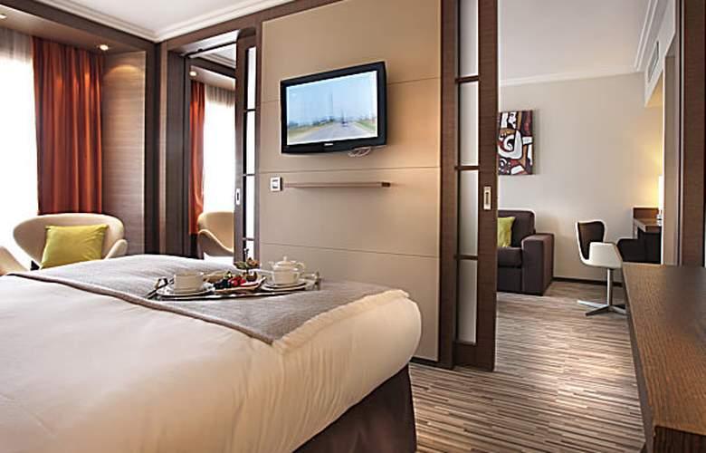 AC Hotel Ambassadeur Antibes - Juan les Pins - Room - 19