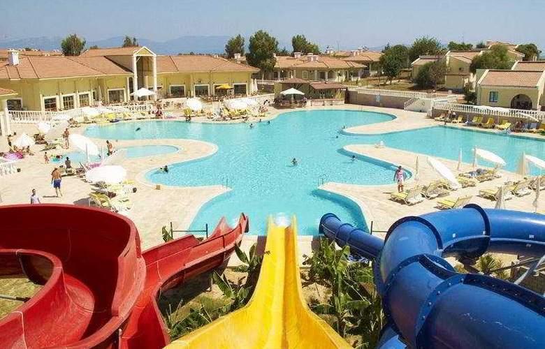 Palm Wings Beach Resort - Pool - 7