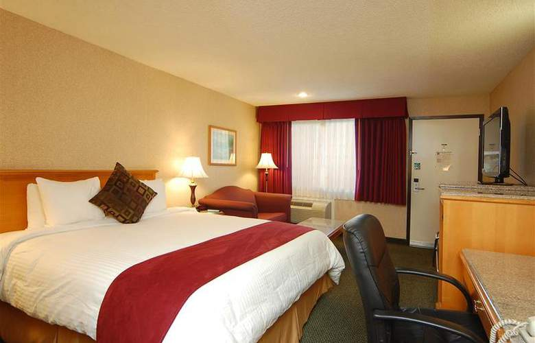 Best Western Plus Orange County Airport North - Room - 66