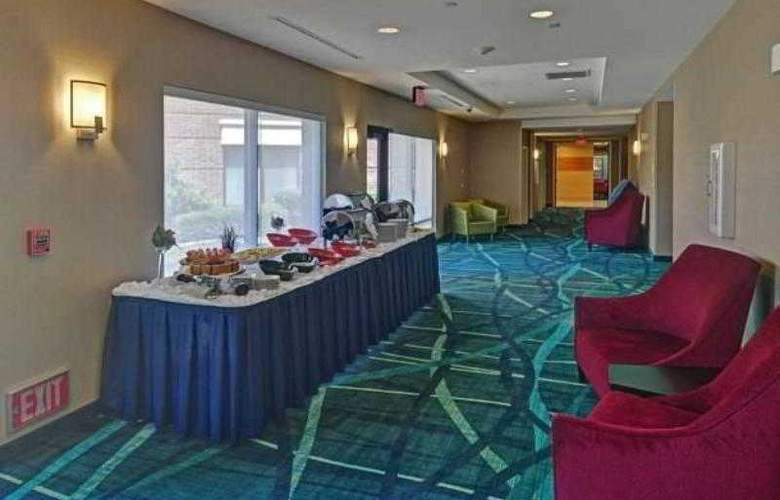 SpringHill Suites Dallas DFW Airport East - Hotel - 10