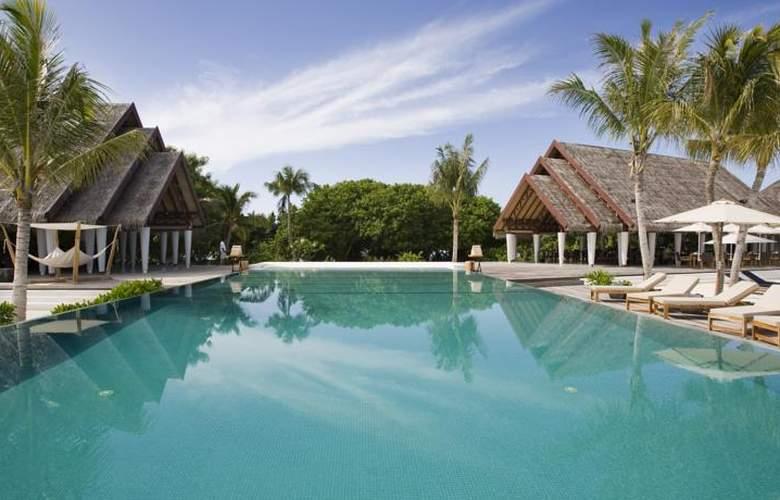 Lux South Ari Atoll - Pool - 16