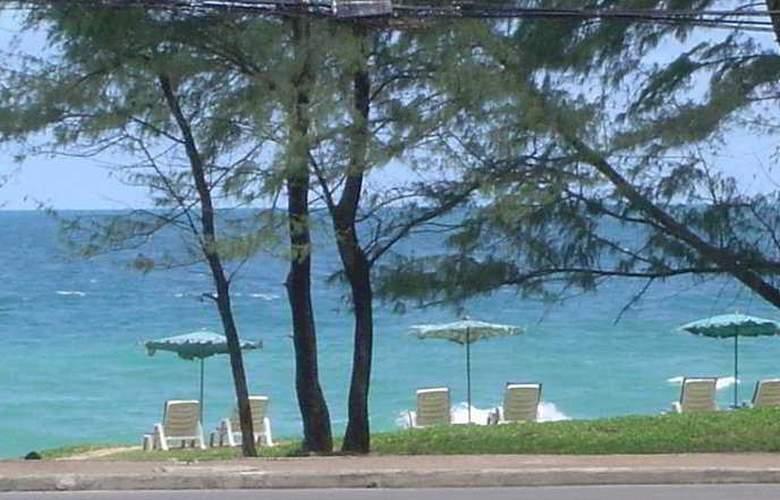 Karon Sea Sands Resort & Spa - Beach - 7
