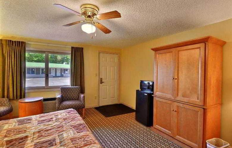 Econo Lodge Inn & Suites - Room - 22