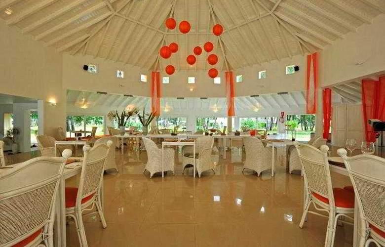 Solanas Vacation Resort & Spa - Restaurant - 4
