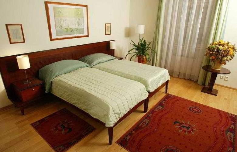Hotel Lippert - Room - 5