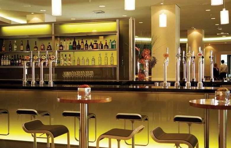 Hilton London Canary Wharf - Bar - 5