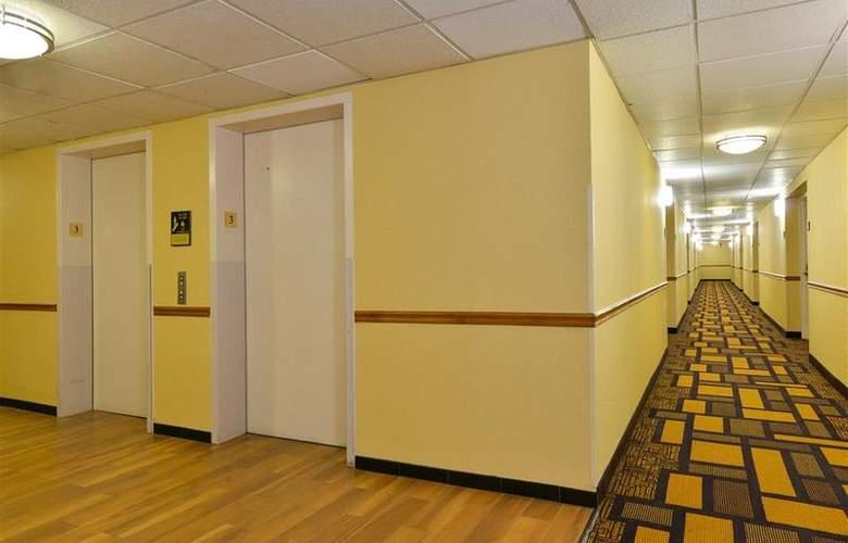 Best Western Plus Richmond Airport Hotel - Hotel - 81