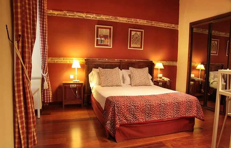 Real Monasterio de San Zoilo - Room - 5